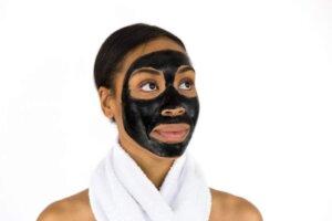 face-maskskin-care-woman