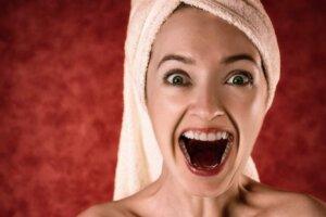 blonde-towel-portrait-glamour