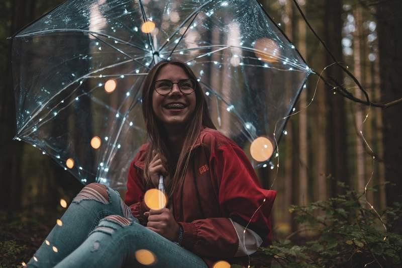 lichterkette-laugh-face-girl-trend