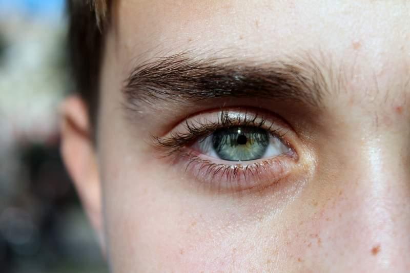 eye-blue-face-guy-eyelashes