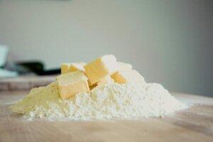 bake-butter-flour-mountain-pile
