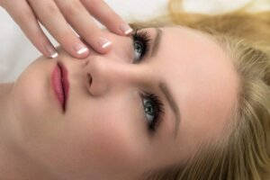 cosmetics-care-woman-young