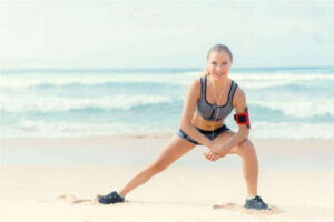 fitness-women-beach