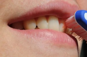 toothbrush-smile-teeth-mouth-oral
