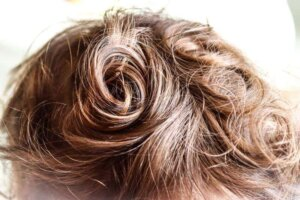 baby-hair-curly-blond-spiral-gold