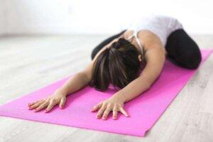 people-woman-yoga-meditation