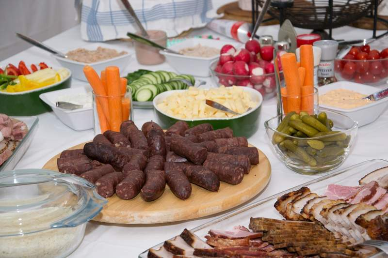 eat-buffet-food-benefit