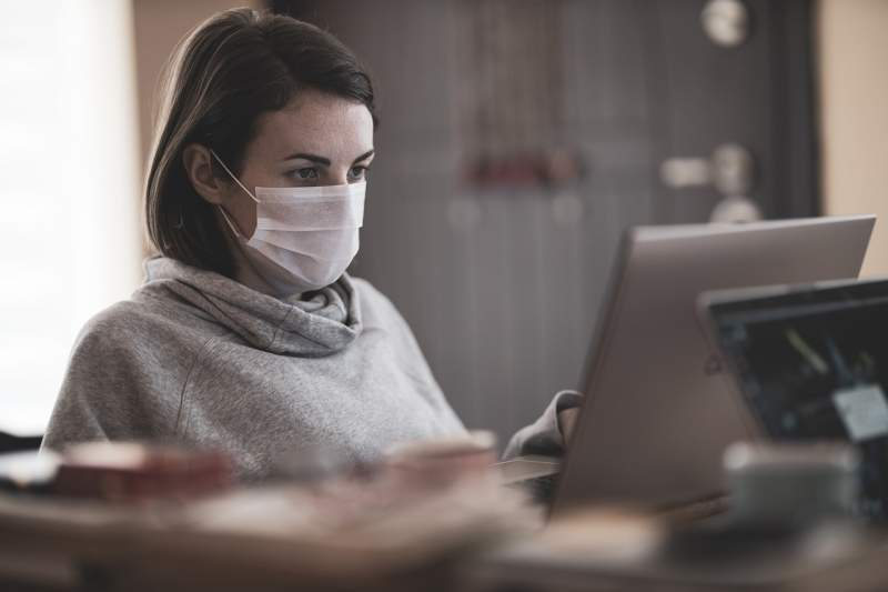 virus-patient-mask