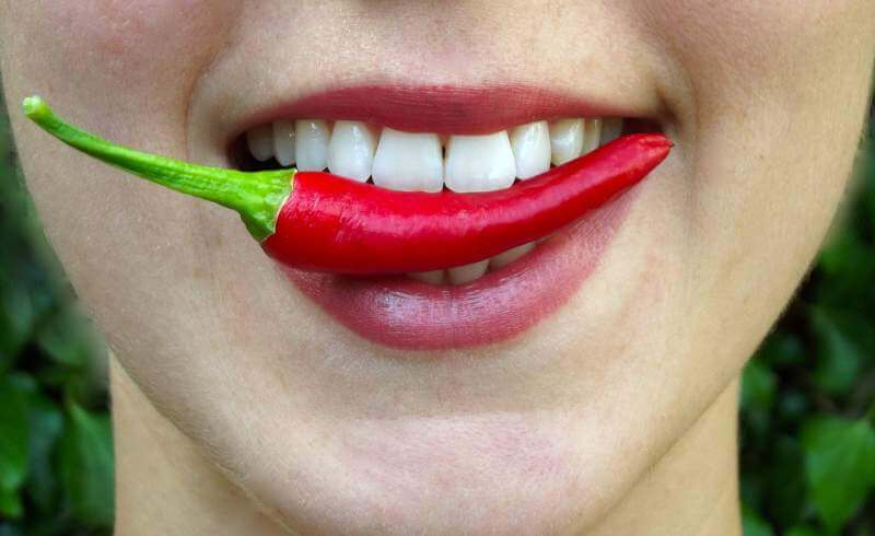 chilli-bite-hot-lips-mouth-eat
