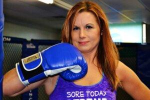 fitness-boxing-woman-training-body