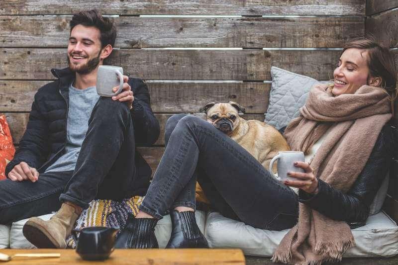man-woman-dog-pet-pug-owners
