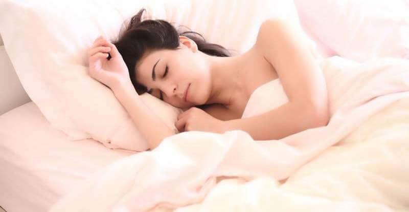 woman-asleep-girl-sleep-bed-cozy