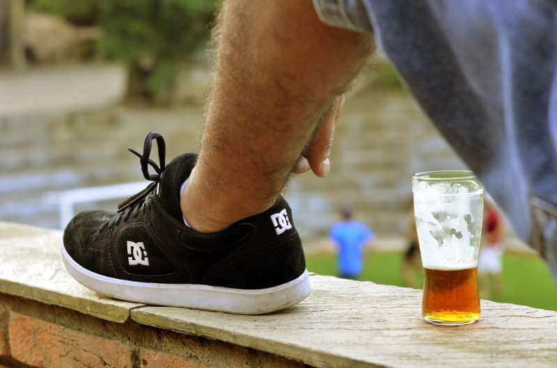beer-foot-friends-shoes-a-d-male
