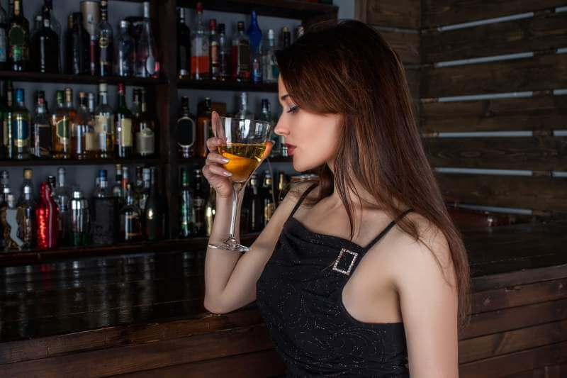 woman-model-cocktail-drink-wine