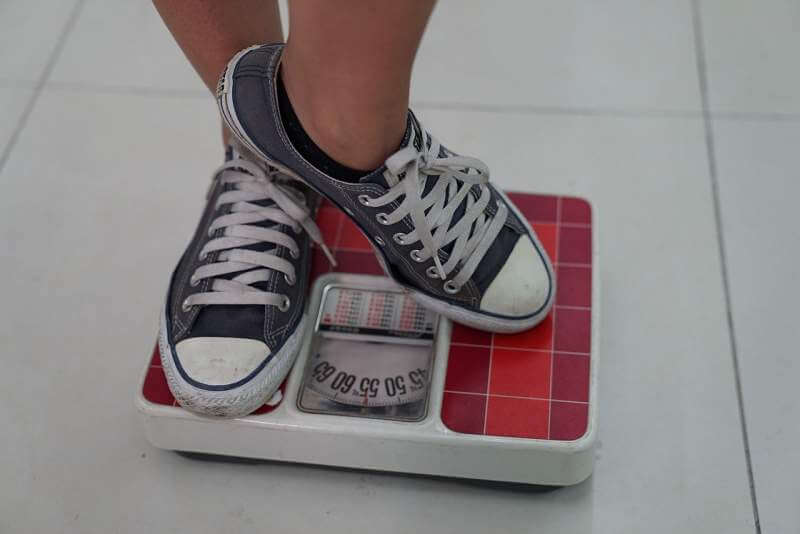 weighing-machine-sneakers-weight